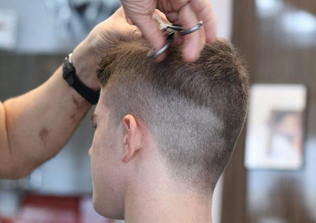 Nên cắt tóc ngày nào tốt? Chọn ngày cắt tóc để luôn gặp may mắn năm 2021