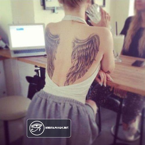 Khám phá hình xăm chữ đẹp cho nữ ở lưng - ý tưởng hình xăm chữ dọc sống lưng cho nữ