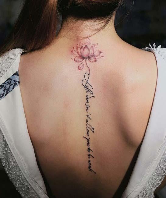 xăm chữ đẹp cho nữ ở lưng