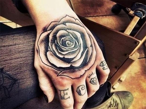 Khám phá tattoo hoa hồng cho nam giới