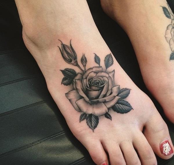 Một trong các hình xăm hoa hồng ở chân cho nữ đẹp nhất 2020 - 2021