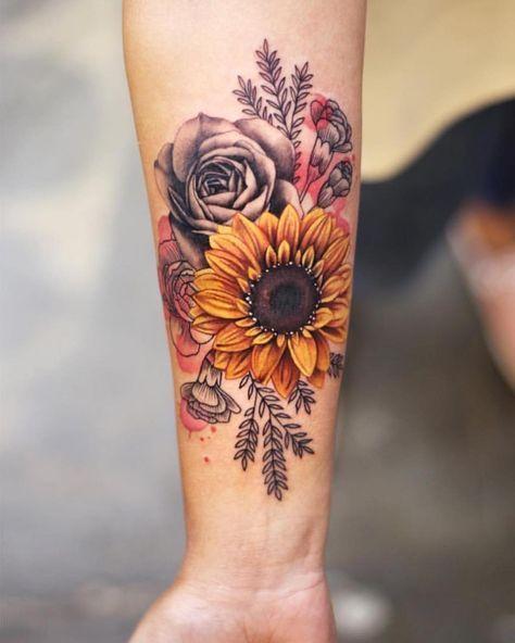 Chia sẻ mẫu hình xăm hoa hướng dương cho nam