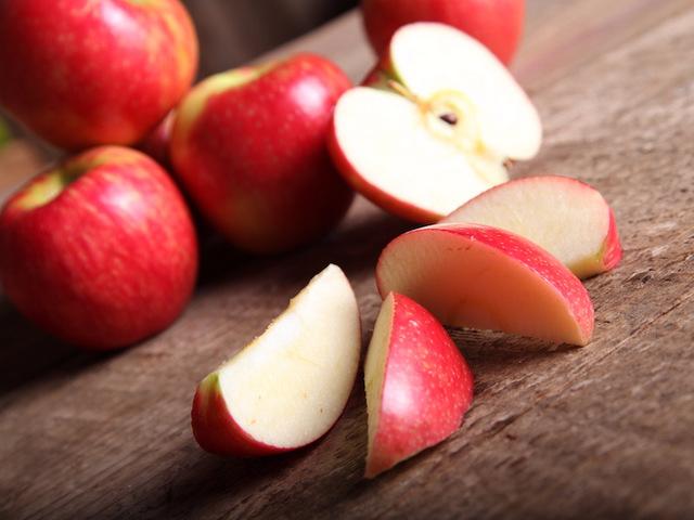 Giải đáp: Bà bầu ăn táo tàu được không? Bà bầu ăn táo xanh được không? Bà bầu ăn táo ta có tốt không?