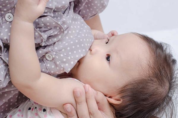 [GIẢI ĐÁP] Cách làm sữa rút nhanh khi cai sữa cho con
