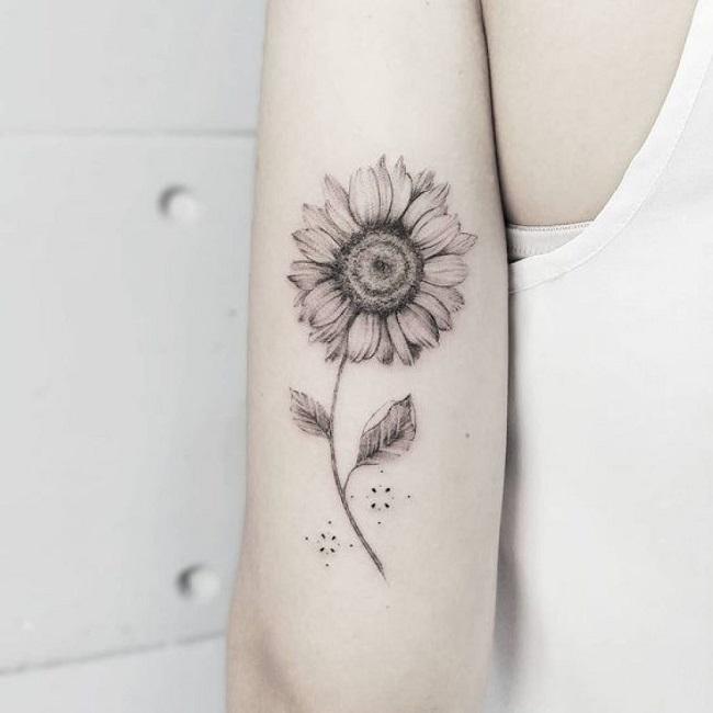 #40 Hình xăm Hoa Hướng Dương - Ý nghĩa Hình xăm hoa mặt trời