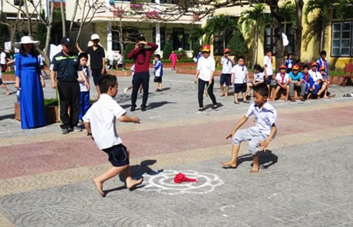 Top 10 Trò chơi cho trẻ mầm non [PHỔ BIẾN] giúp trẻ vận động