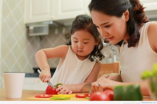 Trẻ biếng ăn phải làm sao & Chia sẻ #6 cách giúp trẻ hết biếng an